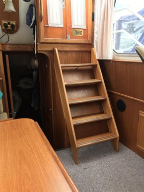 Saloon, steps to deck
