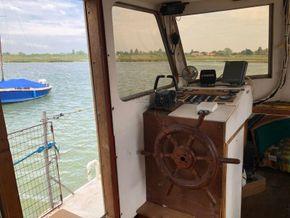 Replica Boat Torpedo Boat Twin Detroit diesel engines 900hp - Helm