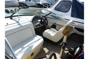 MasterCraft ProStar 190 - pilot and co-pilot seats