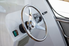 Auxiliary steering
