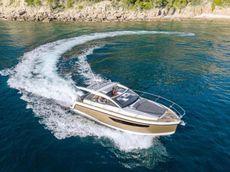 2020 Sealine S335V