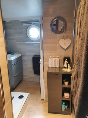 Shower & utility