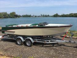 Aluminium speedboat manufacturing