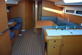 Jeanneau Sun Odyssey 449  - Interior