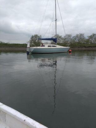 Hunter delta 25 lifting keel