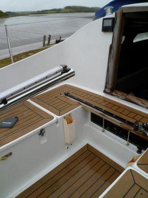 Cockpit Port Fwd
