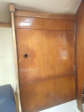 Forward locker