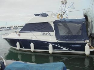Beneteau Antares Series 9 Flybridge Boat
