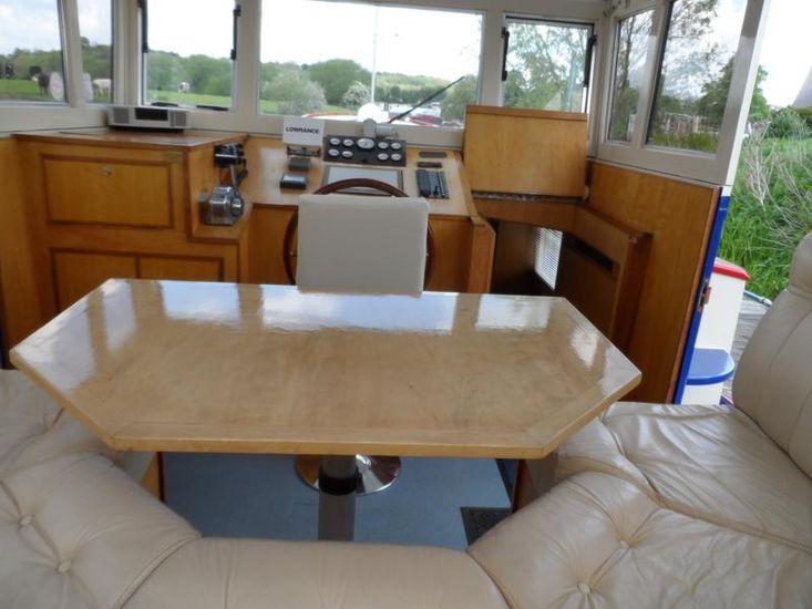 Luxury Replica Dutch Barge Mirage