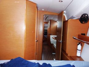 Cabin Fwd 2