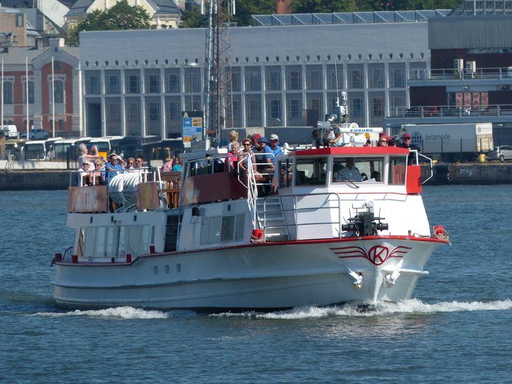 Sightseeing restaurant boat