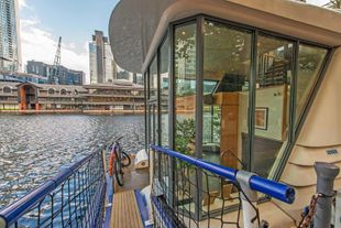 60 ft. architecturally designed vessel for sale, E14