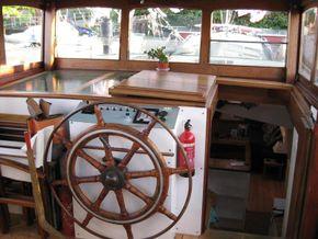 Wheelhouse and companionway
