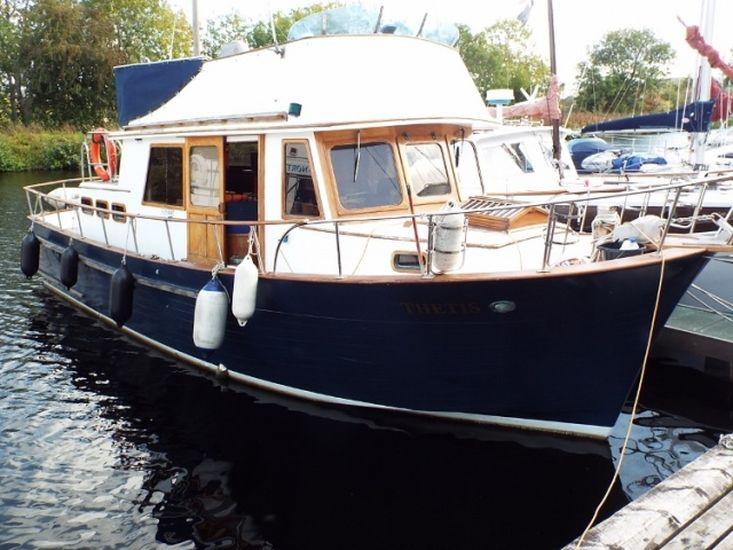 1982 Trawler Yacht