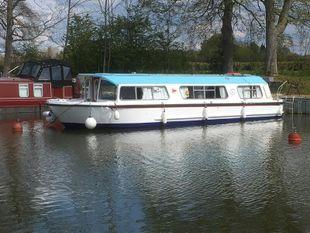 Bounty 37 broads cruiser
