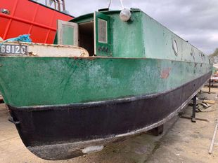 Springer Narrow Boat 45FT (Project Boat - Submerged)