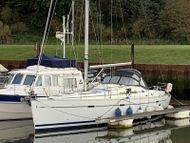 2003 Beneteau Oceanis 393 Cruising Yacht