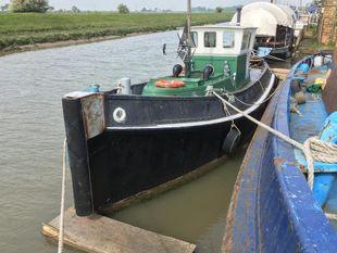 Houseboat Tug Faversham