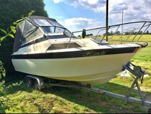 Picton 22 ft Cabin Cruiser - Hanali