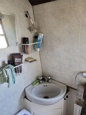 Sink, cassette toilet and shower