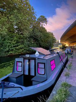 1 Bedroom Luxury Canal Narrow Boat