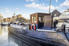 One bedroom houseboat, St Katharine Docks, Wapping, E1W