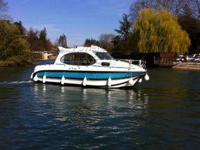 Nicols Estivale Duo Canal and river cruiser - Main Photo