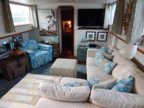 Dutch Barge Luxe Motor rebuilt  in 2008 - Looking Forward