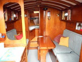 Saloon - Starboard Side