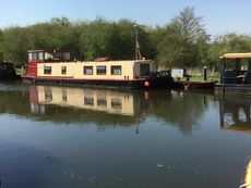 Leeds and Liverpool Barge 57 x 14.2 Converted to a very high standard