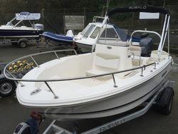 2016 Robalo R160 Centre Console   (not boston whaler  white shark edgewater)