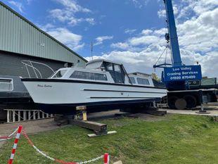 32ft Creighton Cruiser Boat