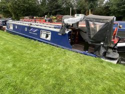 40ft Cruiser stern narrowboat - Rose Quartz