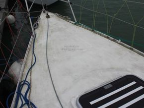 Mustang 30  - Foredeck