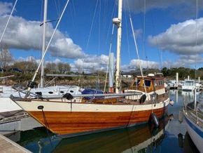 Wooden  Custom Wood-epoxy classic cruising sailboat - Main Photo