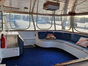 Sutton Trawler Yacht  - Cockpit