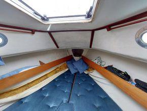 Westerly Griffon II Bilge Keeled - Cabin
