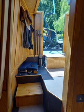 Rear back cabin