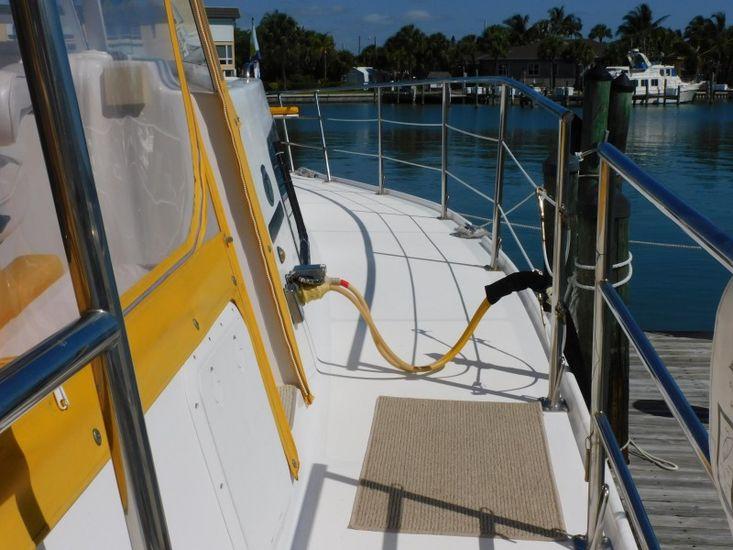 2005 Endeavour 44 trawlercat