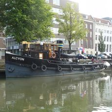 Gorgeous living recreation tug