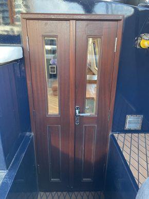 Full height doorway