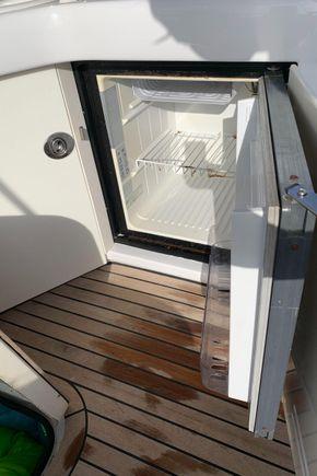 fridge in wetbar