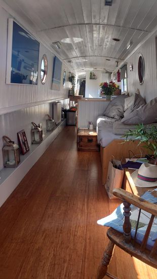 Totally beautiful fully refitted narrowboat