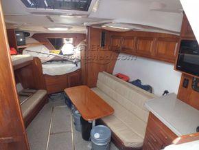 Luhrs 360 SX Express  - Interior