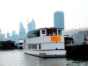 Passenger Trip Boat 36m  - Stern