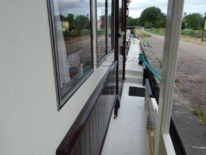 Barge Wide Beam live aboard barge  - Side Deck