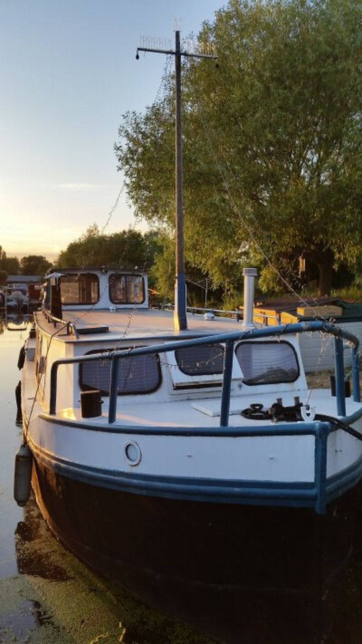Dutch barge on residential mooring