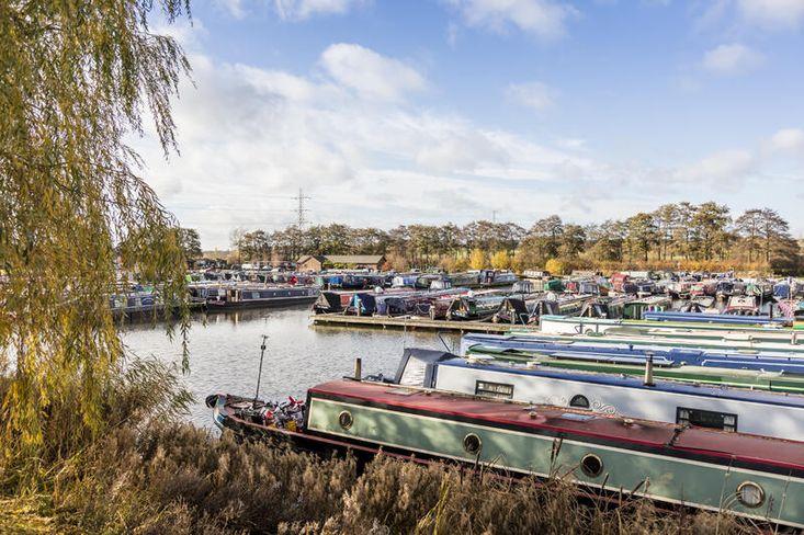 3 Month 50ft Narrowboat Winter Moorings at Great Haywood Marina