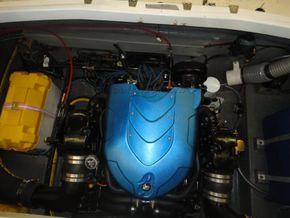 Sunseeker Mustang Extended transom - Engine