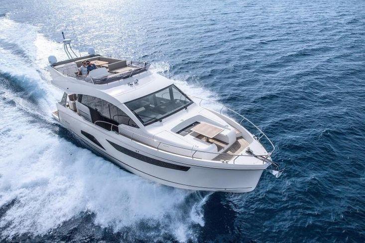 2022 Sealine F530